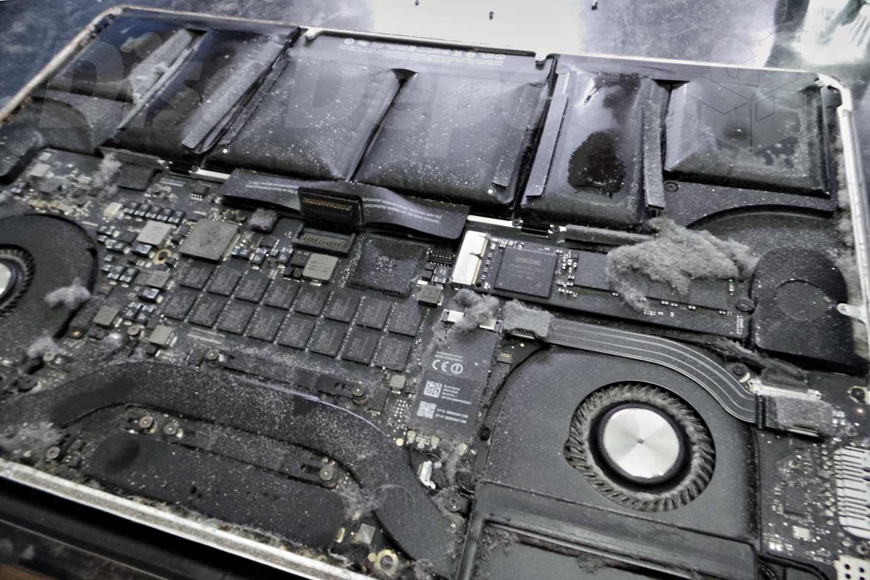 Swollen Laptop Batteries? Get Them Fixed ASAP! | Disc Depot St Andrews